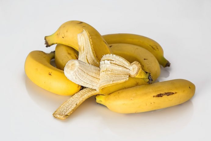 How to Make Banana Face Packs at Home to Get Rid of Pimples, Oily Skin and Winter Dry Skin