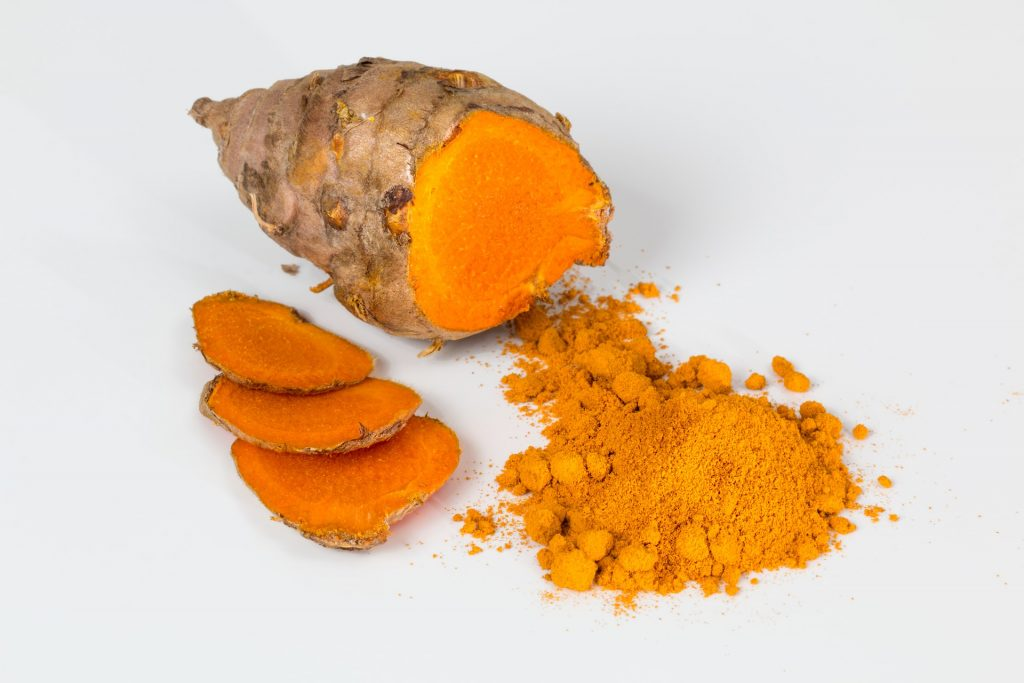 How to Make Banana Face Packs at Home. raw turmeric. turmeric powder. www.blisslife.in