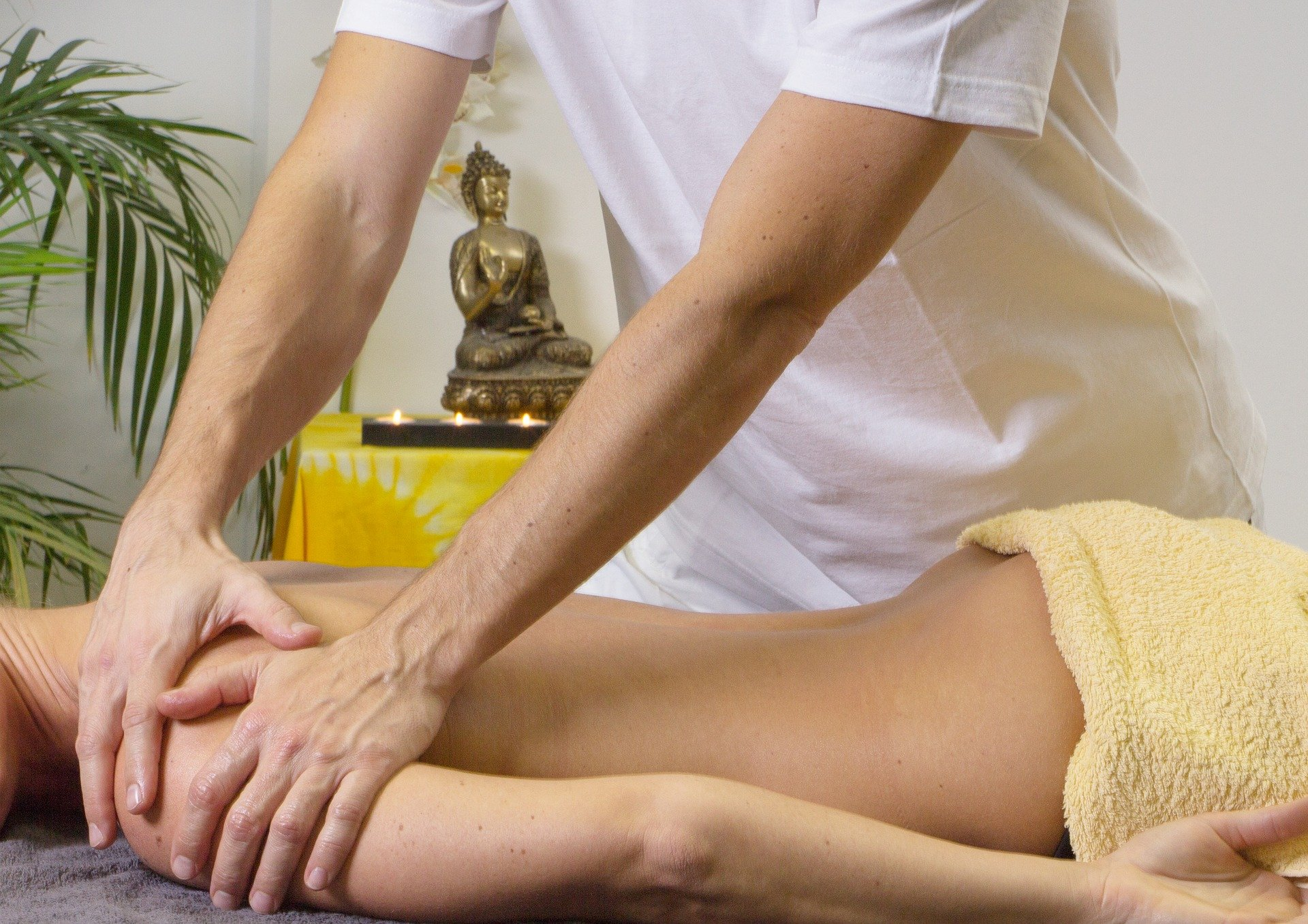 prevent neck pain from sleeping. back massage. sleep. relax. www.blisslife.in