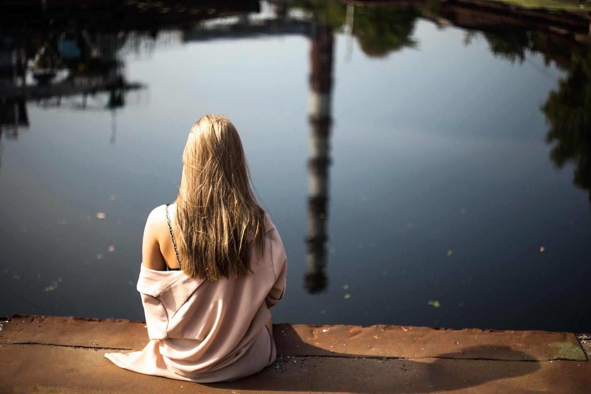 Enjoy Being Alone. Girl. Sitting girl. www.blisslife.in