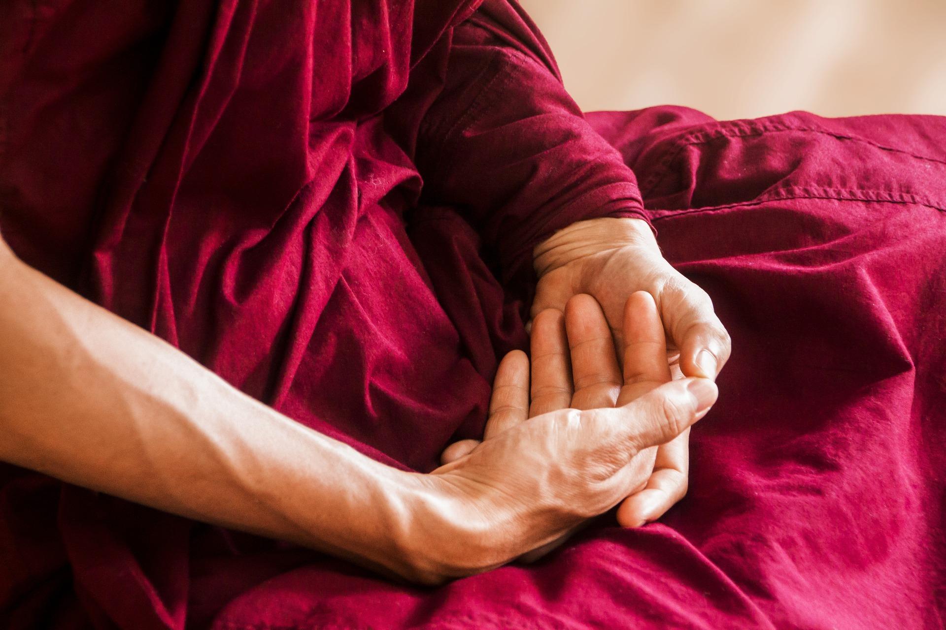Body Mindfulness Meditation. peace posture. meditation. www.blisslife.in