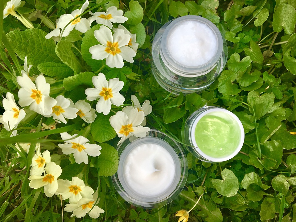 Effective Tips to Best Nightly Make Up Removal.face serum. beauty hacks.green.makeup.grass