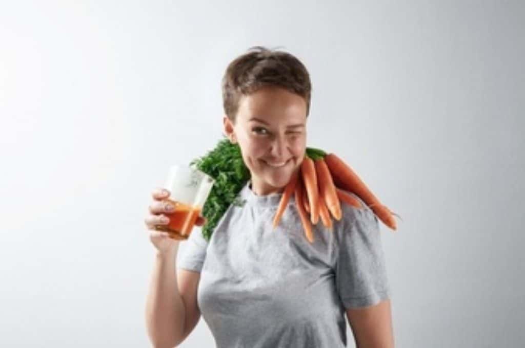 Skin Brightening Home Remedies. carrot. carrot juice. woman. www.blisslife.in