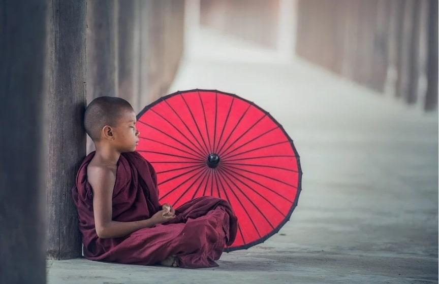 Living with Less. budhha boy. meditation. www.blisslife.in